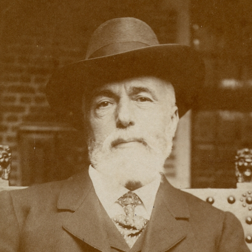 Max Rooses met hoed in het museum Plantijn Moretus