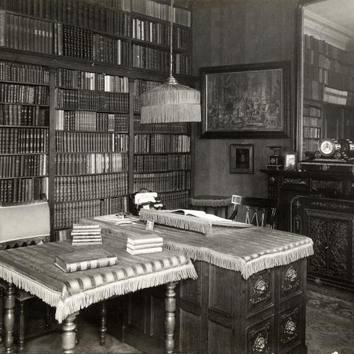 Werkkamer van Max Rooses in zijn huis in de Provinciestraat